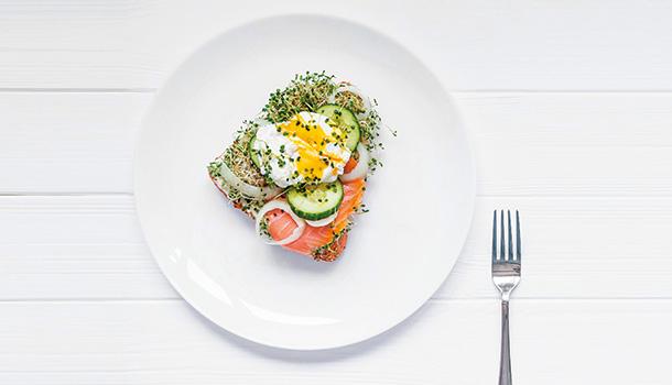 吞一把維他命當早餐?當心反效果
