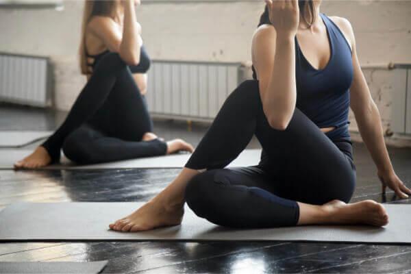 [新聞] 睡不著、壓力又大怎麼辦?睡前 3 瑜伽動作可助緩解