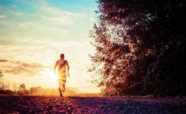 [新聞] 慢跑和健走五公里有區別嗎?哪一個對膝蓋刺激更小呢?醫生告訴您