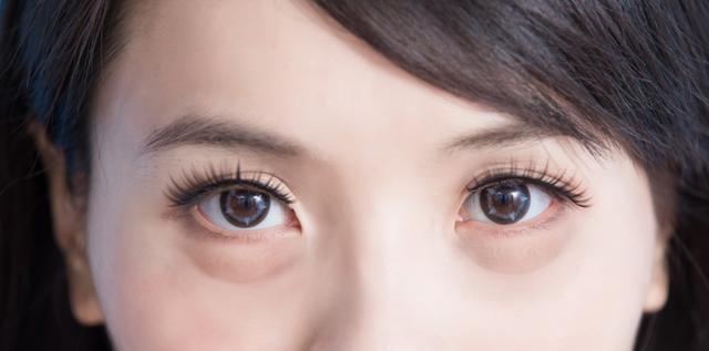 [新聞] 臉上有眼袋顯老怎麼辦?日常做好這1點,眼部皮膚緊緻光滑