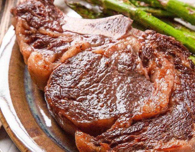 [新聞] 西餐廳廚師不會告訴你煎牛排的方法