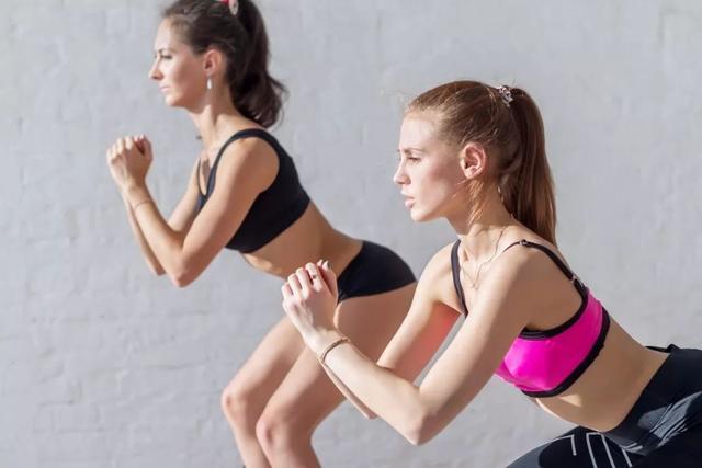 [新聞] 長期堅持深蹲,會蹲出這7個好處,提臀瘦腿,男人女人都要練